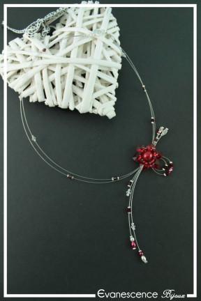 collier-en-fil-cable-gabi-couleur-rouge-sur-fond-noir