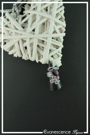 bague-reglable-en-aluminium-odyssee-couleur-argent-et-violet-sur-fond-noir