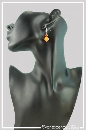 boucles-d-oreilles-sur-clous-garmin-couleur-orange-portees