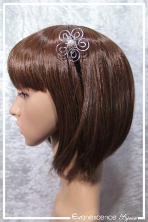 pique-a-cheveux-en-bois-gaya-couleur-argent-et-blanc-porte