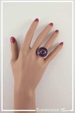 bague-reglable-rosace-couleur-noir-et-rose-portee